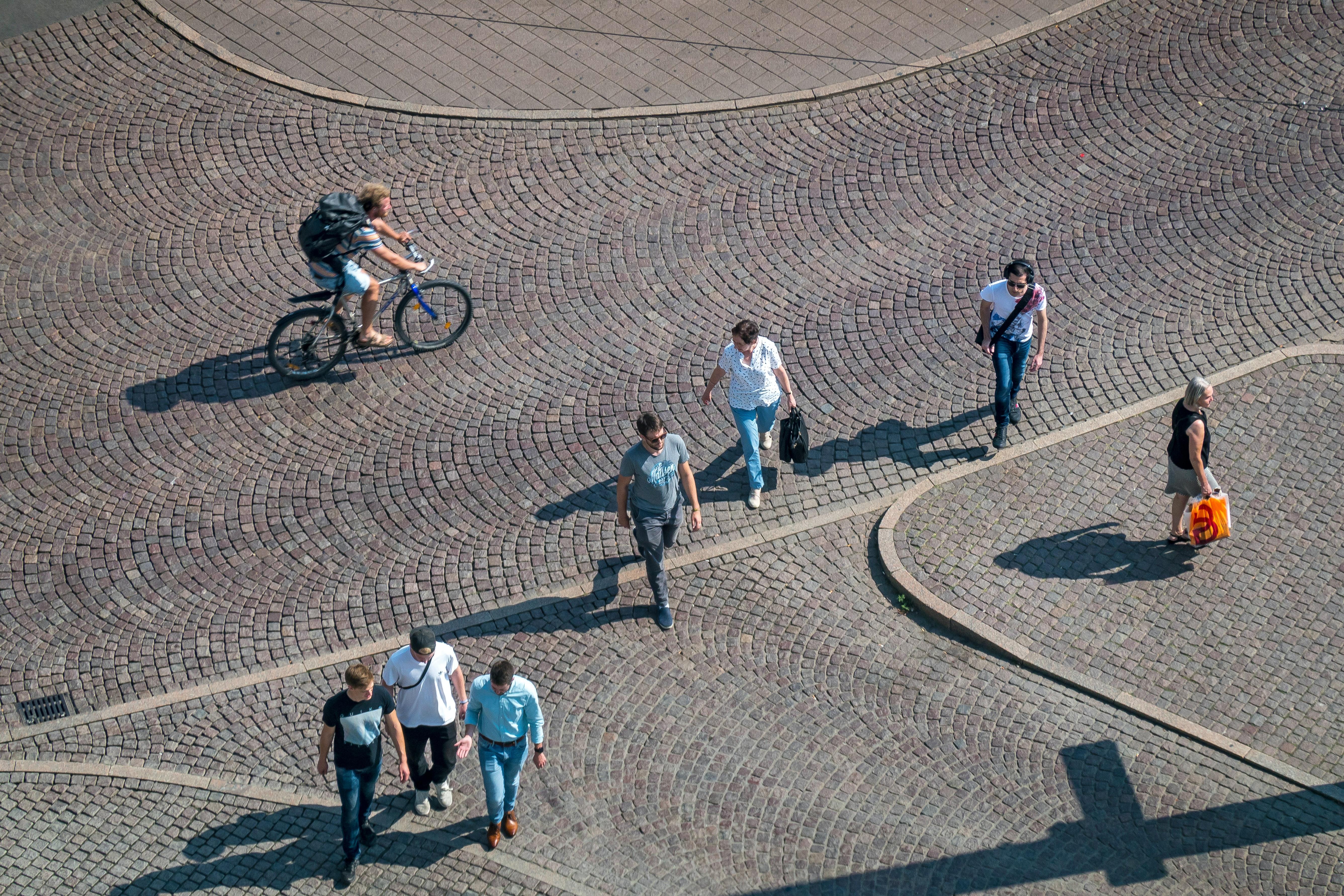 5 Benefits Of Biking Or Commuting On Foot